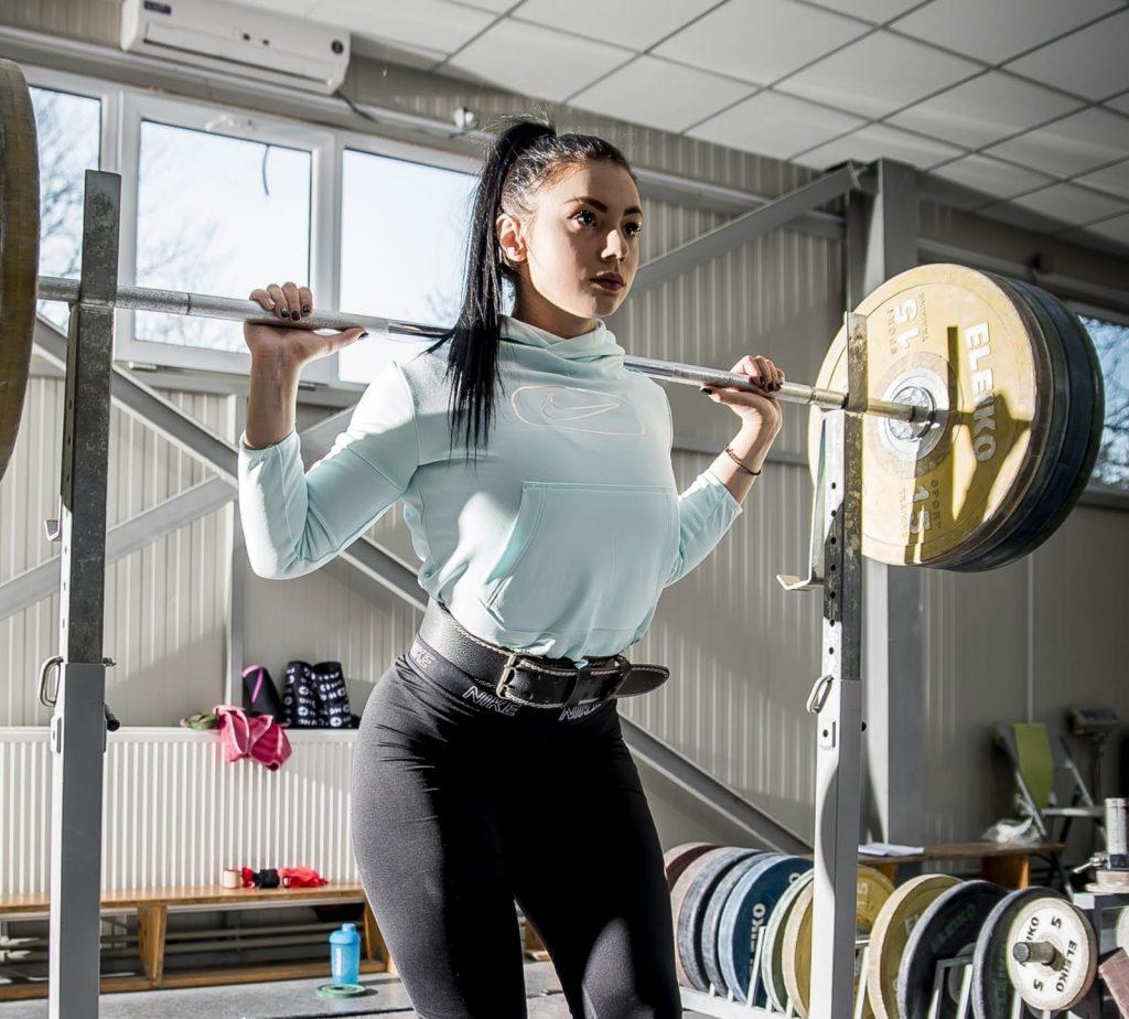 Maria Grigoriu, antrenament haltere - interviu invatam programare